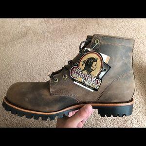 Brand new CHIPPEWA steel toe boots!!